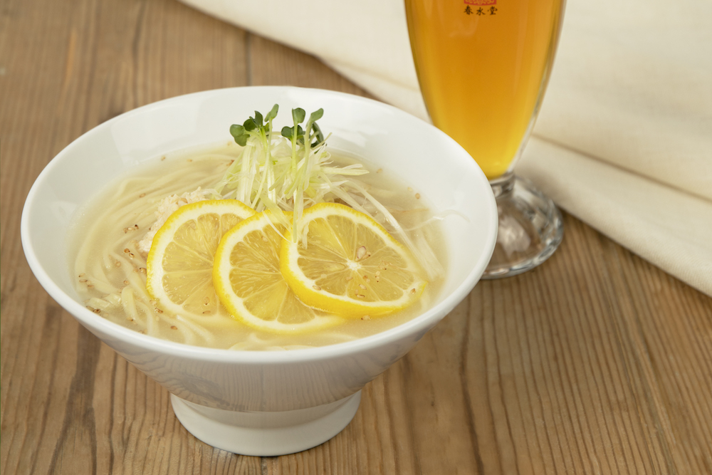 夏季限定「塩鶏レモンスープ涼麺」